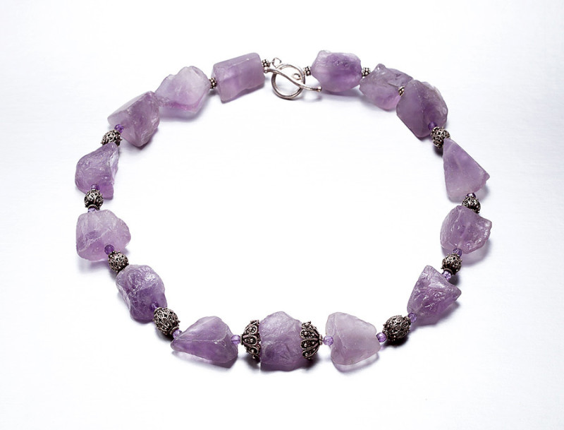 hr-necklace-amethyst-nuggets