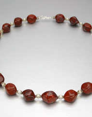 yr-necklace-agate